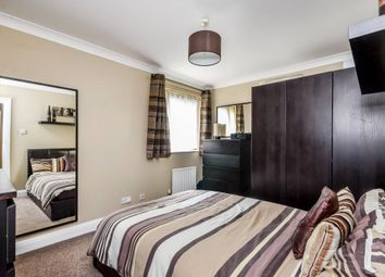 Thumbnail 1 bed flat to rent in Moreton Place, Pimlico