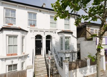 2 bed flat to rent in Lordship Lane, London SE22