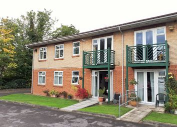 Thumbnail 2 bed flat for sale in Friern Barnet Lane, North London