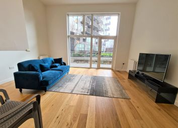 3 bed maisonette to rent in Maud Street, London E16
