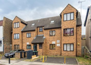 Thumbnail 1 bed flat for sale in Avenue Road, London
