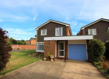 Thumbnail 3 bed detached house to rent in Wendron Close, Woking