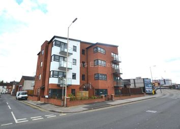 2 bed flat to rent in Malthouse Court, Chatham Street RG1