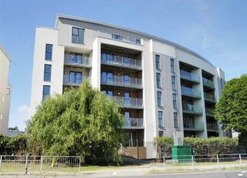 Thumbnail 2 bed flat to rent in Manor Way, Borehamwood