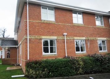 2 bed flat to rent in Three Bridges, Crawley, West Sussex RH10
