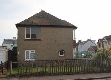Thumbnail 2 bed flat to rent in Old Road, Clacton-On-Sea