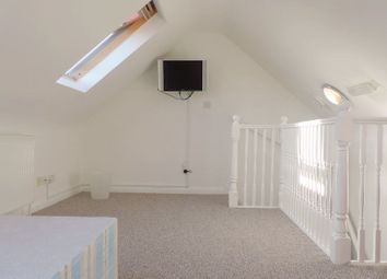 Thumbnail Room to rent in (House Share) Pattina Walk, Silver Walk, Canada Water, London