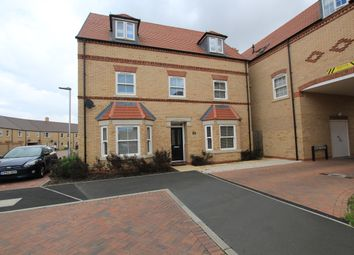 Thumbnail 2 bed flat for sale in Collings Crescent, Biggleswade