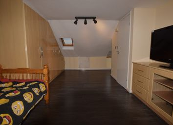 Thumbnail Room to rent in Morris Avenue, London