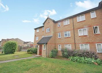 Thumbnail 2 bed flat for sale in Wedgewood Road, Hitchin