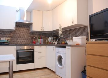Thumbnail 2 bed flat to rent in Newington Green Road, Islington