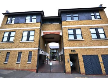 Thumbnail 1 bed maisonette to rent in Shanklin Road, Crouch End, London