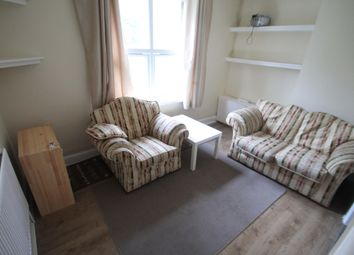 Thumbnail 1 bed flat to rent in Crescent Road, Luton