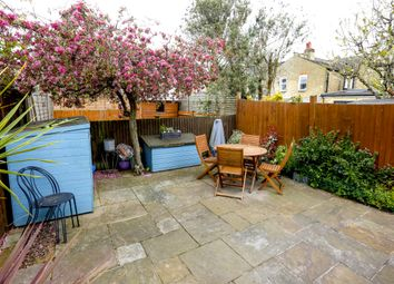 3 bed maisonette to rent in Waldron Road, London SW18