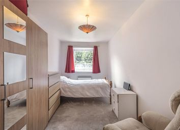Thumbnail Room to rent in Epping Close, Reading, Berkshire