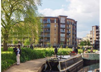 Thumbnail 3 bed flat to rent in Lockwood House E5, London