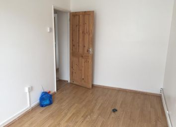 Thumbnail 2 bed flat to rent in Quaker Street, 6Ss