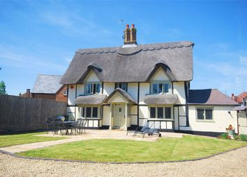 3 bed detached house for sale in London Road, Aston Clinton, Buckinghamshire HP22