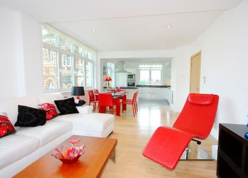 Thumbnail 3 bed flat to rent in Albert Embankment, Vauxhall