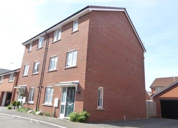 Thumbnail 4 bed town house for sale in Renner Croft, Dunstable