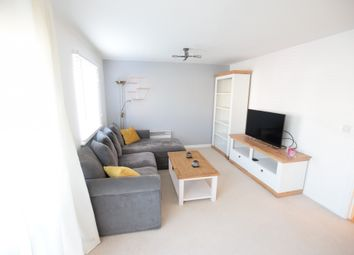 Thumbnail 2 bed flat to rent in Amersham Road, Reading, Berkshire