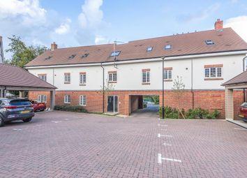 Thumbnail 2 bed flat for sale in Gerrards Cross, Buckinghamshire
