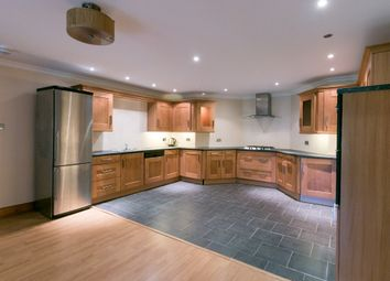 Thumbnail 3 bedroom flat to rent in Nithsdale Road, Glasgow
