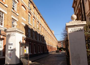 Gibson Gardens, London N16. 2 bed flat for sale