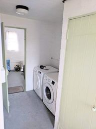 1 bed property to rent in Linkway, London SW20