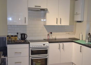 Thumbnail 3 bed flat to rent in Farnham Road, Slough