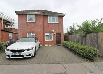 Thumbnail 2 bed maisonette for sale in Crossways, South Croydon