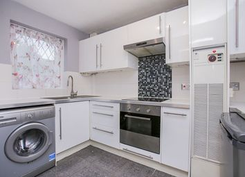 3 bed property to rent in Southwood Close, Worcester Park KT4