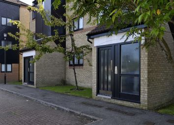 Thumbnail 2 bed flat to rent in Mulberry Close, Luton