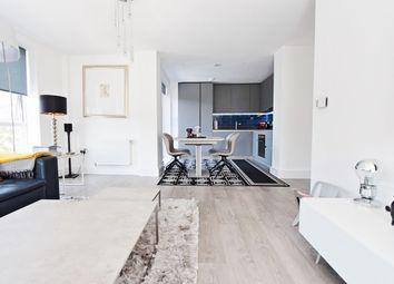 Scotland Green, London N17. 4 bed flat