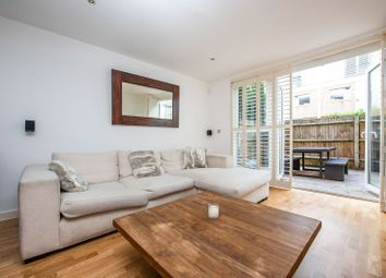 2 bed maisonette for sale in Prebend Street, London N1