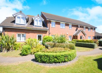 Thumbnail 2 bedroom flat for sale in Chiltern Close, Chelmsford
