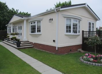 Thumbnail 2 bed mobile/park home for sale in East Beach Park (Ref 5318), Shoeburyness, Southend On Sea, Essex