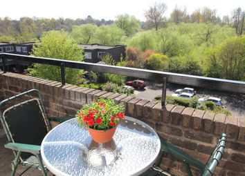 Thumbnail 3 bedroom flat for sale in Augustus Close, Brentford