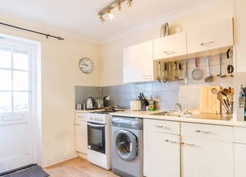 Thumbnail 2 bed property for sale in Francis Close, Canary Wharf