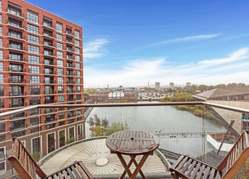 Surrey Quays Road, London SE16. 2 bed flat for sale