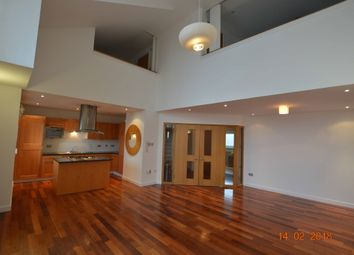 Thumbnail 3 bed flat to rent in Dunlop Street, The Metropole, City Centre, Glasgow