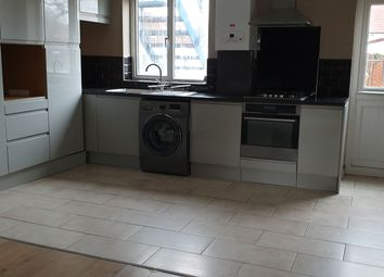 3 bed maisonette to rent in Cumberland Ave, Slough SL2