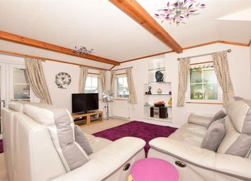 Thumbnail 2 bed mobile/park home for sale in Millers Way, Harrietsham, Maidstone, Kent