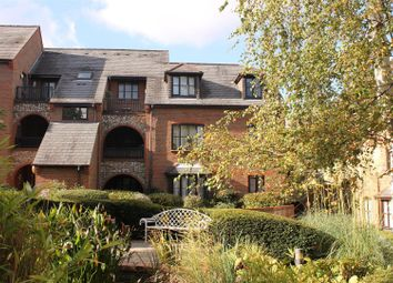 Thumbnail 1 bedroom flat for sale in Kingsmead Road, High Wycombe