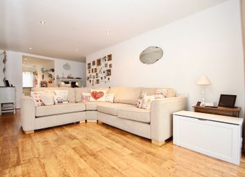 2 bed property for sale in Victoria Road, Gidea Park, Romford RM1