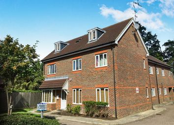 Thumbnail 2 bedroom flat to rent in Crabtree Court, Crawley