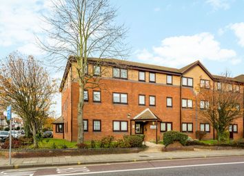 2 bed flat for sale in High Road, Romford RM6
