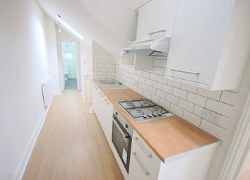 Thumbnail 1 bed flat to rent in Mare Street, Hackney