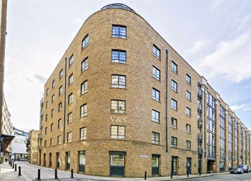 Curlew Street, London SE1. 2 bed flat