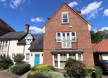 2 bed flat to rent in Sawyers Grove, Brentwood CM15